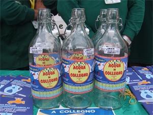Bottiglie di vetro etichetta acqua di collegno